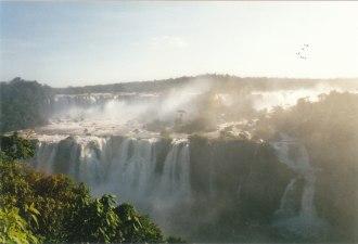 Arjantin - Brezilya sınırındaki Iguazú Şelalesi