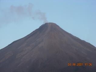 Dünyanın en aktif volkanlarından Arenal - Kosta Rika