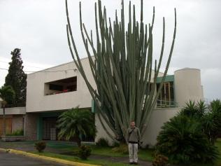Fuat Alican - Kosta Rika'daki evinin sokağının başında