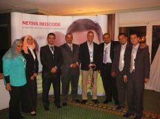 Kahire'de bir sunum sonrası Mısırlı bilişim profesyonelleriyle