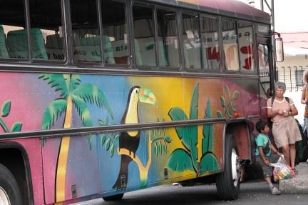 Kosta Rika'da şehirler arası otobüs
