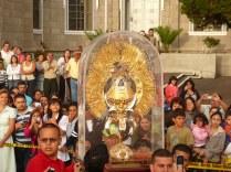Kosta Rika'nın Cartago şehrinde dini kutlama