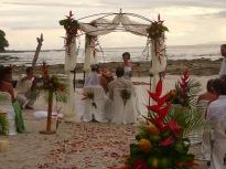 Kosta Rika'nın Pasifik sahillerinde bir nikah töreni