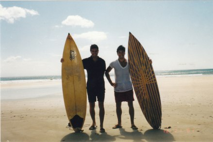 Nikaragua'nın Manzanas sahilinde Egemen Erden ile sörf sonrası