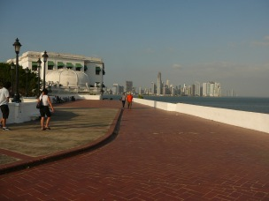 Panama - Antik Şehir'den yeni şehrin görünümü